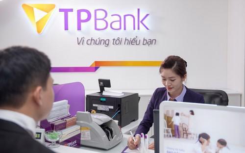 Các khách hàng doanh nghiệp cũng có thể sử dụng dịch vụ nộp thuế qua  TPBank tại bất kỳ điểm giao dịch của TPBank trên toàn quốc. <br>