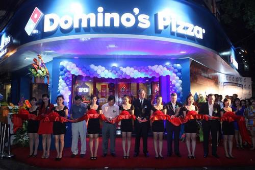 Công ty TNHH Dịch vụ Thực phẩm và Giải khát Việt Nam (VFBS), thuộc sở  hữu của Tập đoàn Imex Pan Pacific (IPP Group), là đối tác nhượng quyền  thương hiệu Domino's Pizza tại Việt Nam hiện đang lên kế hoạch sẽ có  tiếp tục 4 cửa hàng tại Hà Nội đi vào hoạt động từ đây đến cuối năm  2014.