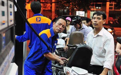 Đây là lần giảm thứ 13 của giá xăng dầu trong năm 2014.<br>