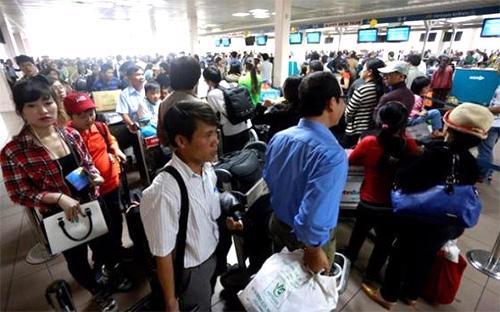 Một góc sân bay Tân Sơn Nhất hiện nay - Ảnh: T.L.<br>