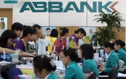 Thủ tướng yêu cầu Ngân hàng Nhà nước đứng ra tìm kiếm đối tác mua lại cổ phần của EVN tại Ngân hàng An Bình, thay vì đấu giá.<br>
