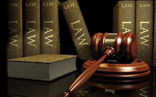 Với định hướng từ nghị quyết, Bộ luật hình sự được sửa theo hướng sẽ  thực hiện phi hình sự hóa một số tội phạm được quy định trong Bộ luật  hiện hành mà không còn phù hợp với Hiến pháp năm 2013 và điều kiện phát  triển kinh tế - xã hội, hội nhập quốc tế của Việt Nam - Ảnh minh họa.<br>