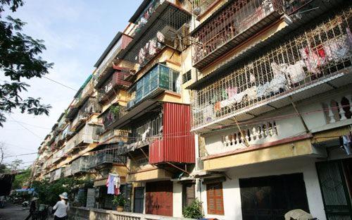 Chỉ riêng trên địa bàn Hà Nội, hiện có khoảng 1.150 khu nhà chung cư cũ có niên hạn từ 20 năm trở lên, bao gồm cả nhà cao tầng và thấp tầng cần được cải tạo lại.<br>