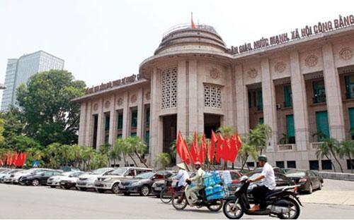 """""""Việc triển khai quyết liệt, đồng bộ các giải pháp của Chính phủ và  khuyến nghị của chương trình FSAP sẽ góp phần lành mạnh hóa một bước  quan trọng về tài chính và hoạt động của các tổ chức tín dụng Việt Nam,  giảm bớt số lượng tổ chức tín dụng nhỏ, yếu kém"""", Ngân hàng Nhà nước cho  biết."""