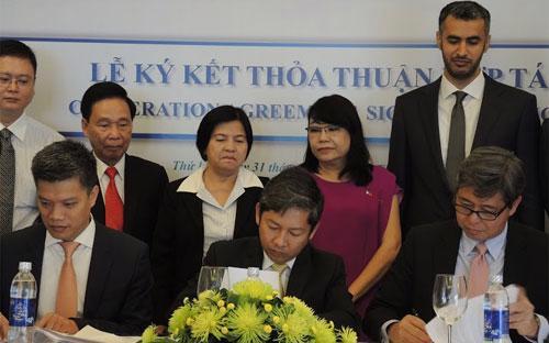 Lễ ký kết của VOI, MWC và SII.