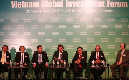 700 nhà đầu tư đến từ 32 quốc gia và vùng lãnh thổ, cùng cộng đồng doanh nghiệp Việt Nam tham dự Diễn đàn Đầu tư toàn cầu tại Việt Nam, diễn ra sáng 30/9 tại Hà Nội.