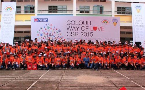 Ngày 8/8, Nippon Paint Việt Nam đã phối hợp cùng trường THCS Hòa Phú, tổ chức buổi giao lưu tràn đầy niềm vui giữa các thành viên của Nippon Paint Việt Nam với các thầy cô giáo, các em học sinh. <br>
