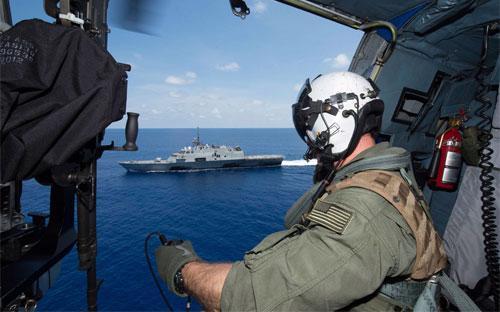 Tàu USS Fort Worth trên vùng biển Đông ngày 12/5/2015 - Ảnh: Hải quân Mỹ.