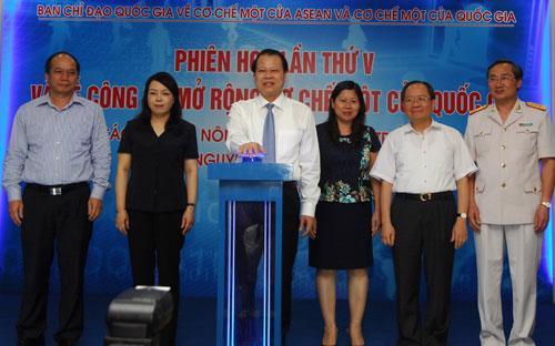 Phó thủ tướng Chính phủ Vũ Văn Ninh chỉ đạo, ở các bộ đã  kết nối thì chậm nhất đến quý 4/2015 này sẽ kết nối xong tất cả các thủ  tục hành chính liên quan…