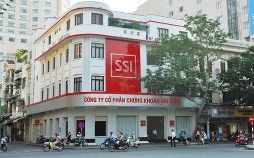 Bên ngoài trụ sở của SSI tại Tp.HCM.<br>