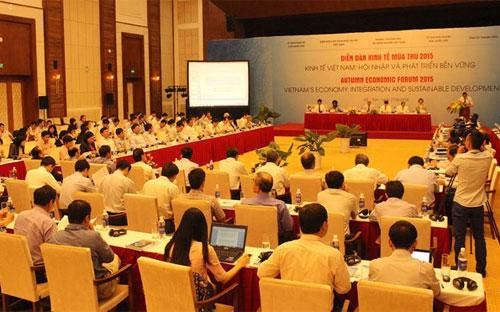 Diễn đàn Kinh tế Mùa thu 2015 chỉ diễn ra trong một ngày và khép lại khi còn nhiều vị muốn phát biểu.