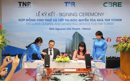 """<span style=""""font-family: 'Times New Roman'; font-size: 14.6666669845581px;"""">CBRE chính thức trở thành đơn vị cho thuê và tiếp thị độc quyền dự án TNR Tower Nguyễn Chí Thanh.<br></span>"""