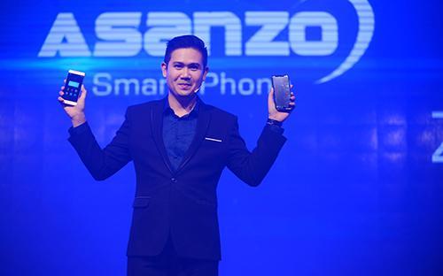 Bộ đôi sản phẩm của Asanzo sẽ được bán rộng rãi trên toàn quốc qua hệ  thống 6,000 đại lí, điểm bán của Asanzo trên toàn quốc từ ngày 1/9/2017.