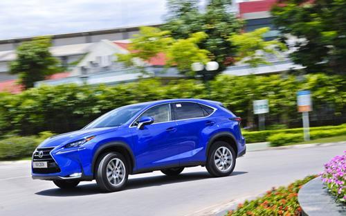 Lexus NX200t vừa ra mắt thị trường chiều ngày 26/5 hứa hẹn sẽ góp phần làm nóng hơn nữa cuộc cạnh tranh tại phân khúc SUV5 chỗ ngồi hạng sang.<br>