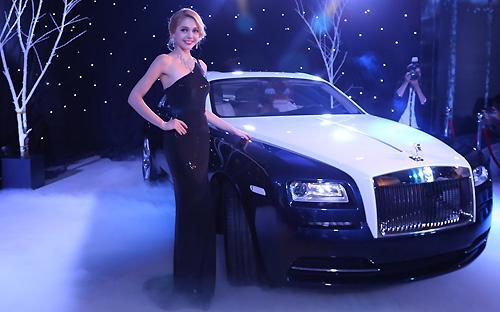 Điểm nhất ở Wraith chính là sự cá tính hóa từng chiếc xe theo yêu cầu của mỗi khách hàng.