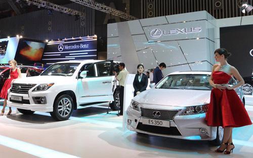 Toyota Việt Nam đề nghị Tổng cục Hải quan điều chỉnh Quyết định 208 theo  hướng chấp nhận các mức giá tính thuế đối với xe Lexus ES 350 và RX 350  nhập khẩu mà công ty khai báo.