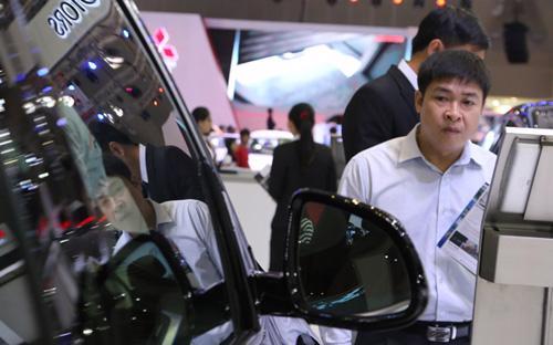 Nếu Nghị định của Chính phủ được ban hành theo đúng các đề xuất của Bộ  Tài chính, giá bán lẻ của các loại ôtô nhập khẩu sẽ đồng loạt tăng lên  đáng kể so với hiện nay, nhất là xe nhập khẩu từ các thị trường ngoài  khu vực Đông Nam Á.