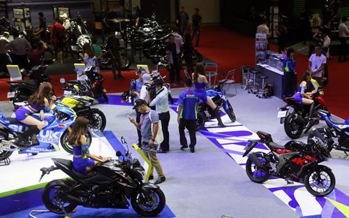 Tại triển lãm môtô, xe máy năm nay, số lượng các mẫu adventure đã xuất  hiện nhiều hơn và từng mẫu xe cũng sở hữu thiết kế mới ấn tượng hơn,  nhiều công nghệ và tính năng hiện đại hơn.