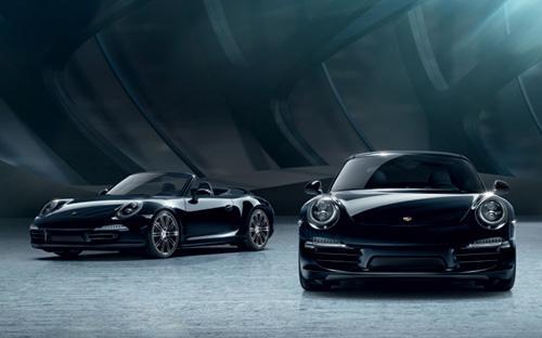 911 Carrera Black Edition được phát triển dựa trên mẫu xe cơ bản có động  cơ đối đỉnh dung tích 3.4 lít, công suất cực đại 350 mã lực.
