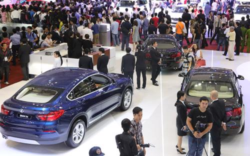 Tổng sức mua ôtô cộng dồn 4 tháng đầu năm 2015 đã đạt 66.885 chiếc, tăng 62% so với cùng kỳ năm ngoái.