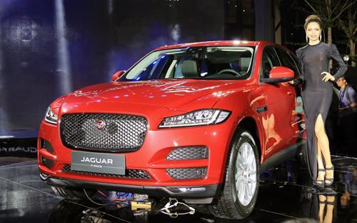 F-Pace được định vị cạnh trạnh với đối thủ Maserati  Levante, Porsche Cayenne hay Land Rover Range Rover Sport.