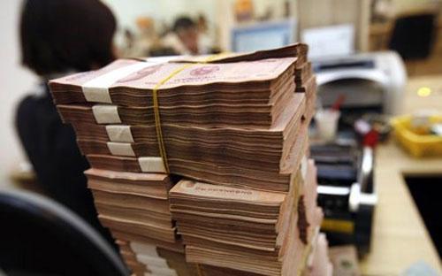 Theo một thông tin chưa chính thức, trong tuần qua (10 - 14/3), Ngân  hàng Nhà nước tiếp tục mua ngoại tệ và đáo hạn tín phiếu Ngân hàng Nhà  nước, do đó, một lượng tiền tới 40 nghìn tỷ đồng được bơm thêm vào hệ  thống.