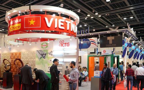 Gian hàng Việt Nam tại hội chợ Big 5 Dubai 2013.