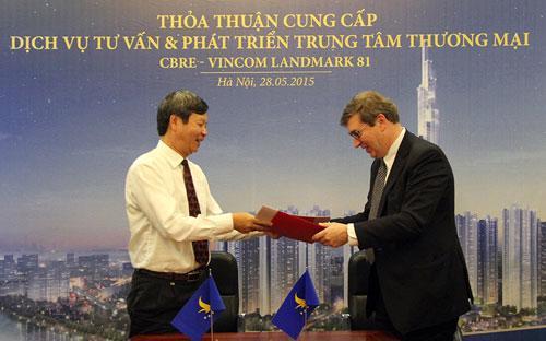 Việc Tập đoàn Vingroup ký kết hợp tác với CBRE là một bước đi chiến lược nhằm đưa trung tâm thương  mại Vincom Landmark 81 lên một tầm cao mới.