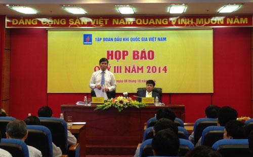 Chủ tịch Petro Vietnam Nguyễn Xuân Sơn và Phó tổng giám đốc Lê Minh Hồng chủ trì cuộc họp báo sáng 8/10.<br>