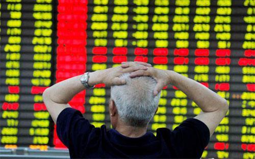 Trên thị trường chứng khoán Trung Quốc, cổ phiếu các công ty vận tải, ngân hàng và chứng khoán giảm mạnh - Ảnh: Skynews.