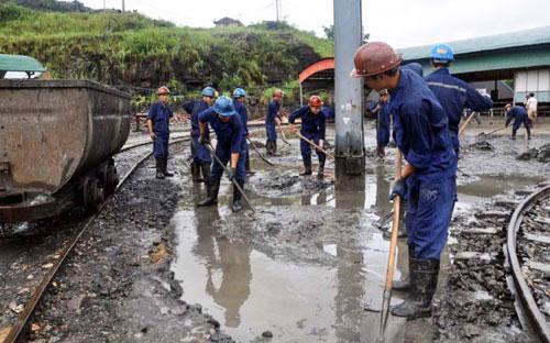 Theo các chuyên gia, nếu xét vào độ dễ mất an toàn như khai thác than ở Quảng Ninh thì bùn đỏ của khai thác bauxite còn an toàn hơn.