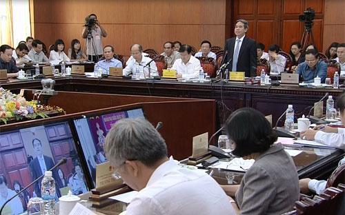 Thống đốc Nguyễn Văn Bình hướng đến việc có một đạo luật riêng cho VAMC, như ý kiến của một đại biểu Quốc hội đề cập khi chất vấn - Ảnh: VnExpress.