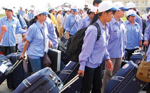 11 tháng của năm 2012, cả nước đưa được hơn 70.000 lao động đi làm việc ở nước ngoài, mới chỉ đạt trên 70% kế hoạch đặt ra - Ảnh minh họa.