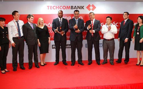 Ngoài 10 giải thưởng Techcombank được trao tặng của 4 tạp chí trong năm nay, Techcombank cũng đã nhận được  nhiều giải thưởng quốc tế khác.