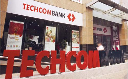 Techcombank còn đưa ra sản phẩm cho vay dành cho các doanh  nghiệp có nhu cầu thế chấp bất động sản để vay vốn lưu động với thời  gian phê duyệt hồ sơ chỉ trong vòng 16 giờ.