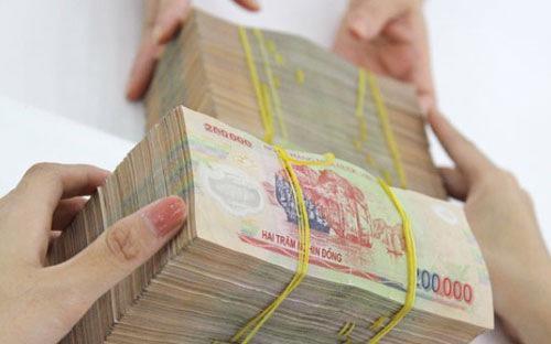 """Một thống kê từ Sở Giao dịch Chứng khoán Hà Nội (HNX) cho thấy,  """"top 10 thành viên kinh doanh trái phiếu Chính phủ 2014"""" cũng có tới 9  ngân hàng và một công ty chứng khoán là thành viên của ngân hàng."""