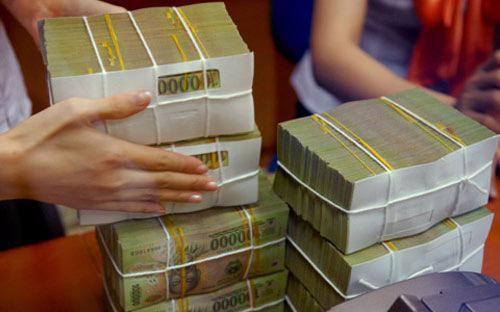 Theo Ngân hàng Nhà nước, tốc độ huy động cao cho thấy gửi tiền vào hệ thống ngân hàng vẫn đang là kênh lựa chọn của người dân.