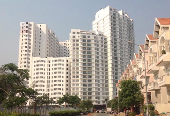 Diễn biến trên thị trường cho thấy, giá nhà ở tăng nhẹ ở phân khúc chung cư diện tích nhỏ và đất nền ở những khu vực có hạ tầng tốt. <br>
