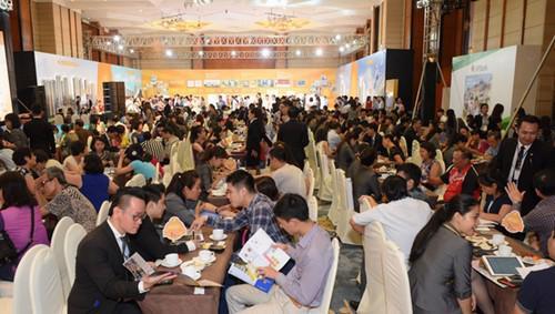 Hơn 1.500 khách hàng tham quan và tìm hiểu dự án tại triển lãm Novaland tại Hà Nội.