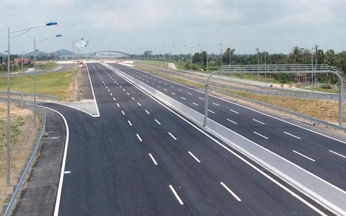 Tuyến đường có chiều dài hơn 64km này có vốn đầu tư trên 10.000 tỷ đồng.<br>