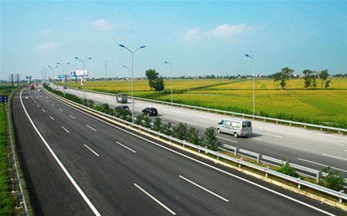 Cao tốc Hà Nội - Hải Phòng dự kiến sẽ thông xe toàn tuyến vào cuối năm nay.<br>