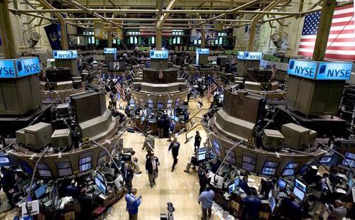 Tính cả tuần, chỉ số Dow Jones tăng 2% và như vậy chỉ số có tuần tăng điểm mạnh nhất trong 6 tháng - Ảnh: Reuters.<br>