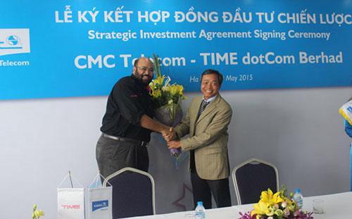 """Lễ kí kết hợp đồng giữa&nbsp;<span style=""""font-family: 'Times New Roman'; font-size: 14.6666669845581px;"""">Công ty Cổ phần Hạ tầng Viễn thông CMC (CMC Telecom) và Tập đoàn TIME dotCom Berhad (TIME).</span>"""