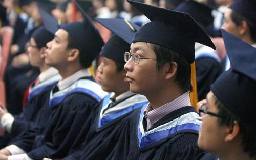 Thủ tướng yêu cầu Bộ trưởng Bộ Giáo dục và Đào  tạo công bố công khai ngay trong đầu năm học 2014-2015 phương án đổi  mới thi tốt nghiệp trung học phổ thông và tuyển sinh đại học, cao đẳng.