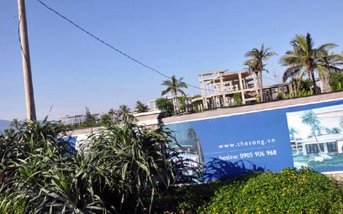 Dọc bờ biển Đà Nẵng có khá nhiều dự án bất động sản nghỉ dưỡng được cấp phép từ nhiều năm nhưng không triển khai.<br>