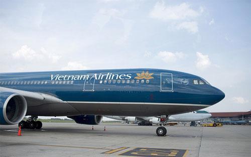 Trong mấy năm gần đây, Vietnam Airlines đã đặt mua những loại máy bay  đời mới nhất để tranh thủ sự tăng trưởng mạnh mẽ của nhu cầu đi lại bằng  đường hàng không - Ảnh: Bloomberg.