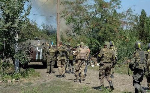 Moscow đã trao trả cho Kiev 63 lính Ukraine bị bắt trên lãnh thổ Nga hôm thứ Tư vừa rồi - Ảnh: Reuters.<br>