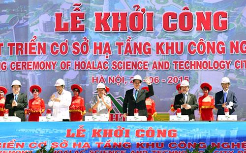 Thủ tướng Nguyễn Tấn Dũng cùng lãnh đạo các bộ, ngành, Hà Nội phát lệnh khởi công dự án ngày 26/6.<br>
