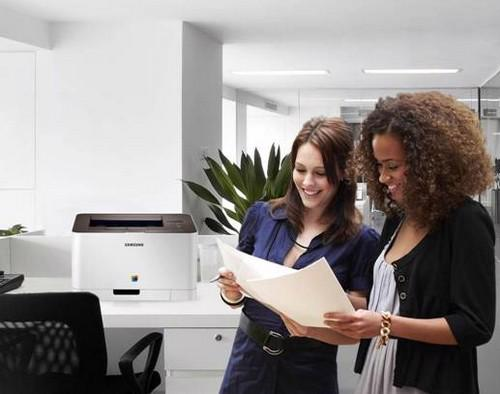 Đi kèm với CLP-365 là phần mềm ECO print, giúp tiêu thụ lượng giấy, mực in và năng lượng ít hơn các sản phẩm khác khá nhiều.