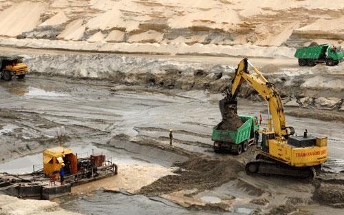 Dự án khai thác mỏ sắt Thạch Khê đang gặp nhiều khó khăn do thiếu vốn.<br>